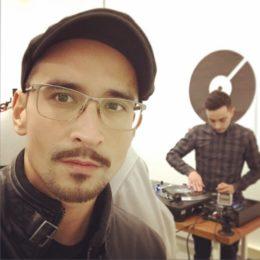 John Type & Simo G Scratching