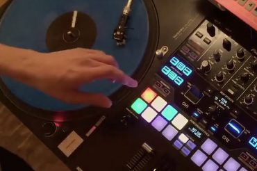 Porter Robinson Scratching